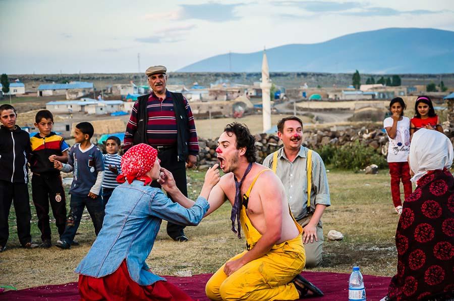 Umělecko-výzkumný projekt Cykly doktoranda Vítězslava Větrovce realizovaný v Turecku